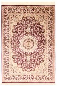 Ghom Soie Tapis 138X200 D'orient Fait Main Beige/Rouge Foncé/Beige Foncé (Soie, Perse/Iran)